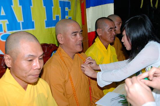Video: Lễ Vu lan báo hiếu PL.2557 - DL.2013 chùa Bửu Kim - p3